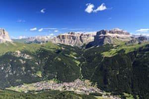 Vista aerea di Canazei in Val di Fassa, Italia