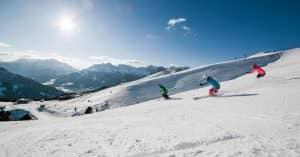 sciatori su pista innevata ApTValdiFassa_028_FEDERICO_MODICA_0768