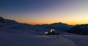 atto delle nevi al tramonto