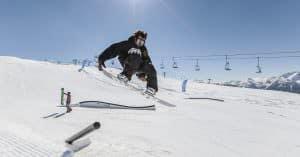 Erste Schritte im Snowpark von San Martino di Castrozza