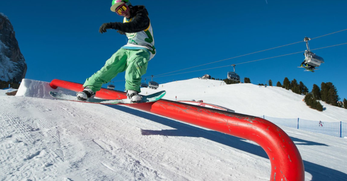 Snowboarder slide