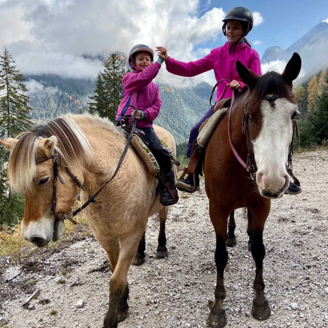 bambine a cavallo