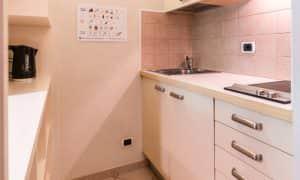 cucina appartamento per 3 persone Ambiez Residence Hotels