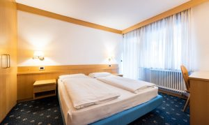 camera da letto appartamento con 2 camere