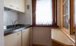 cucina appartamento per 5 persone a Canazei