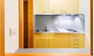cucina Monolocale con balcone 2 persone