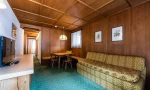 Apartment Family mit zwei Schlafzimmern und Balkon